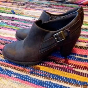 Clarks heeled leather booties